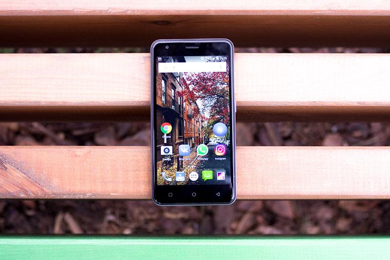 Смартфон Digma VOX G501 4G